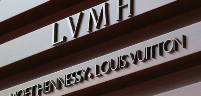 ЯНВАРЬ 2020 — Выставка швейцарских часовых производителей LVMH в Дубае